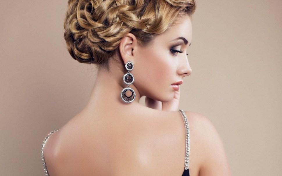 woman_earrings_jewelry_makeup