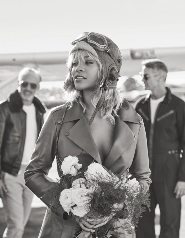 Rihanna-Harpers-Bazaar-March-2017-Cover-Photoshoot04