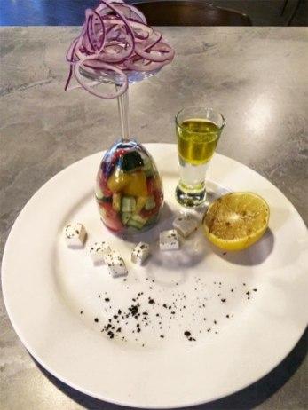 funny-food-serving-restaurant-fails-1-595c8e8b07a34__605