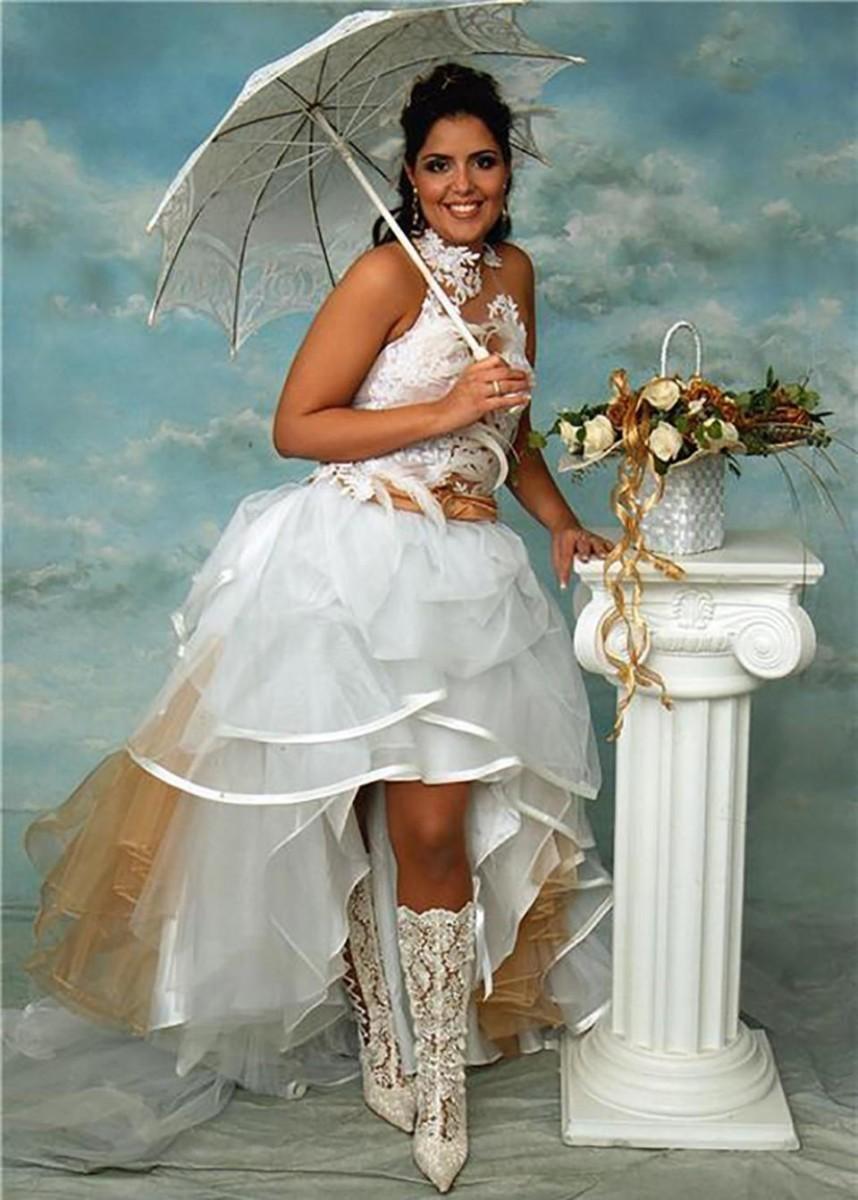 самые необычные невесты фото обладает магическим голосом