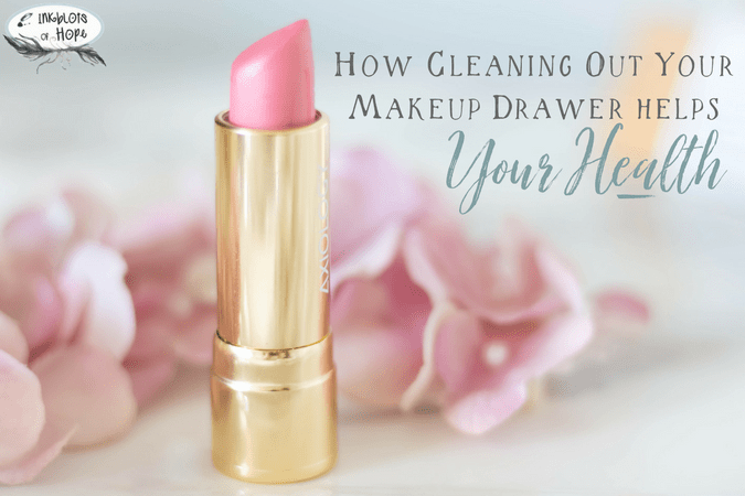 How Cleaning Out Your Makeup Drawer from Toxic Makeup Helps Your Health #OrganicMakeup #CleanMakeup #HealthyLiving #CleanCosmetics #GreenLiving #OrganicLiving #ChronicIllness #Wellness