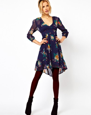floral-print-dress-with-leggings