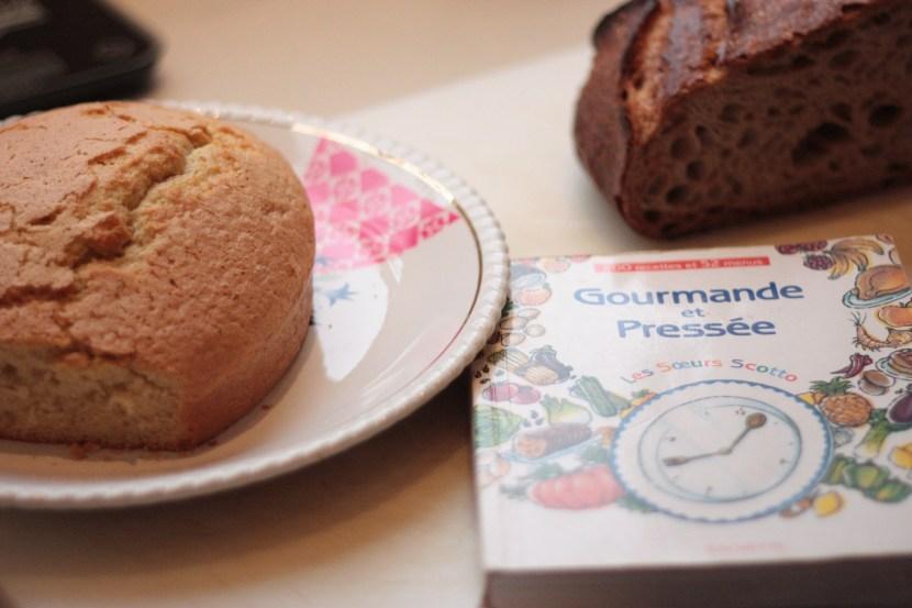 Gâteau et livre Perla Servan Schreiber