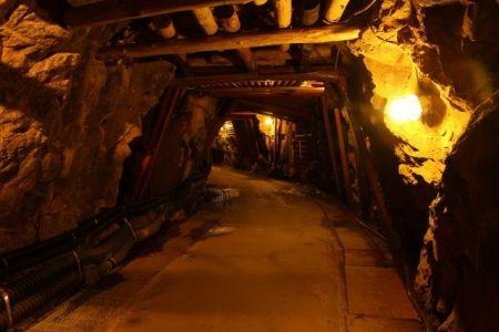 炭鉱においてはメタンガスなどの有毒ガスが発生する