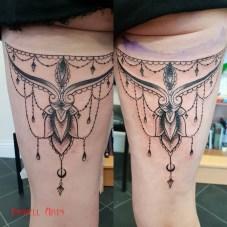 vicki chandelier legs