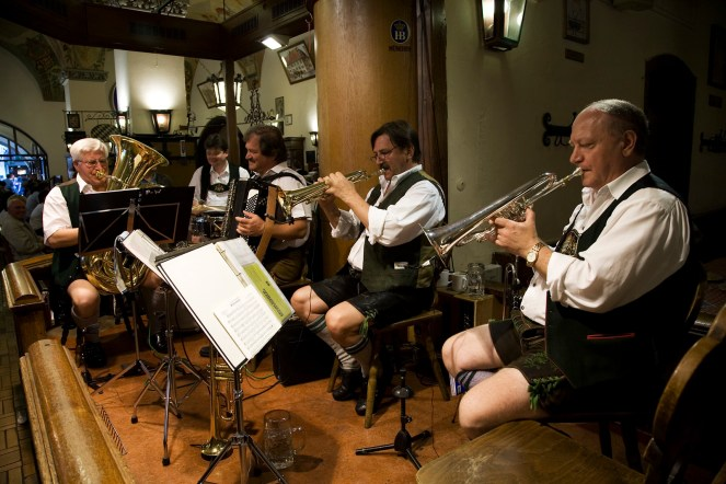 Germany German Southern Germany South German Bavaria Bavarian Munich West of Germany Western German tradition traditions traditional traditional clothing Hofbrauhaus Bavarian music beer glass beer glasses travel tour tourist tourists attraction trumpeter