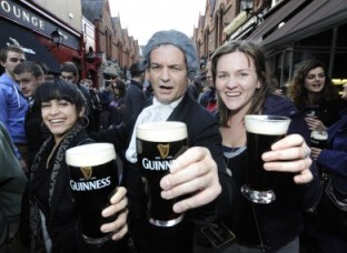2292011-arthurs-guinness-day-celebrations-390x285