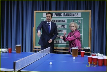 jimmy-fallon-betty-white-beer-pong-03