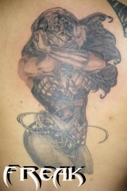 wonder-woman-grey-ink-back-body-tattoo