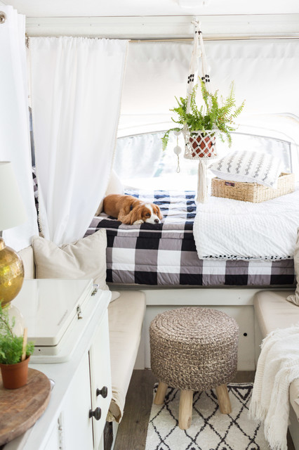 A Used Pop-Up Camper, a Tight Budget and Chic Scandinavian Style (8 photos)