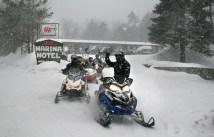 Snowmobiles_5912tn