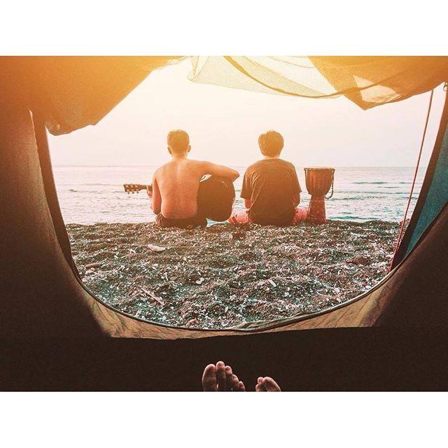 Ноги в руки и в путь. Срочно!Take only necessary things and travel. Quickly#surfing #bali #кута #бали #нусадуа #джимбаран #nusadua #uluwatu #убуд #ubud #jimbaran #nusaduabeach #nusaduabali #kudetabali #kuta #baliflowers #skygarden #legian #balangan #padang #seminyak #indonesia #индонезия #batur #batur #agung #агунг #серфинг #surfing #чангу #caangu