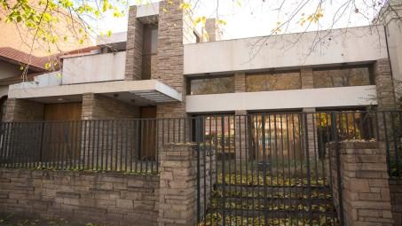"""Casa Proyecto Wright. Inspirada en la famosa """"casa de la cascada"""" o Residencia Kaufmann, diseñada por Frank Lloyd Wright y ubicada en Pensilvania (EEUU)."""