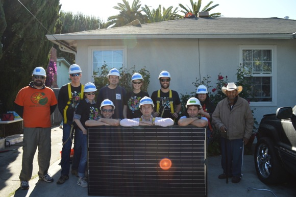 solar home in Belle Haven project crew