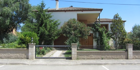 Ref. 73 – Casa unifamiliar al centre del poble