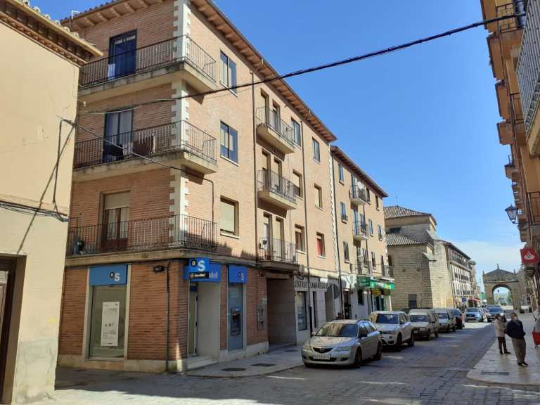 Piso en calle Corredera 49