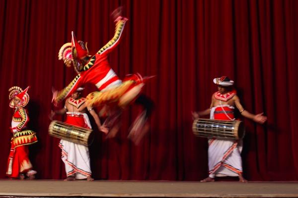 kandy dances