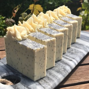 Lemon and poppy seeds soap