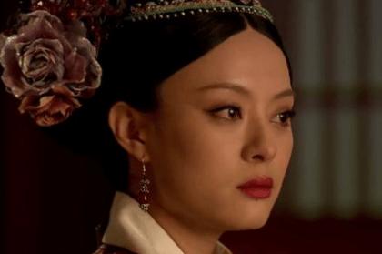 甄嬛一生對「愛」的「三個階段」,最後她愛的不是皇上也不是果郡王!— 我們用電影寫日記