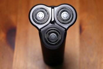 [開箱]小米的米家電動刮鬍刀使用一週心得分享,三組雙環刀頭加上可水洗,CP王者最新力作。