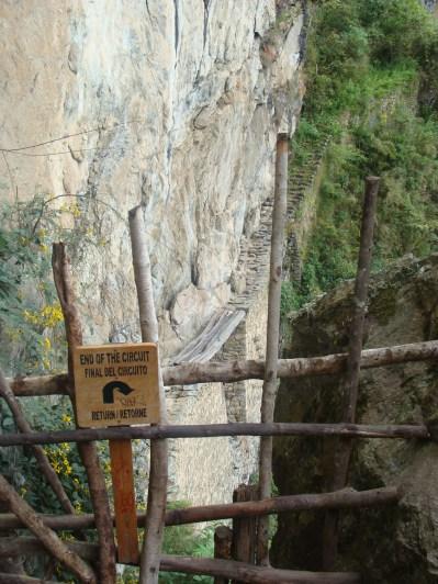 Most Inków - przejścia nie ma