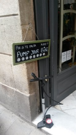 Barcelonę najlepiej zwiedzać na rowerze