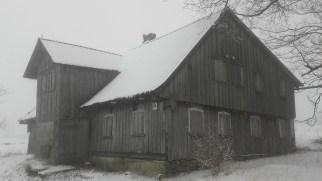 Typowy dom sudecki we wsi Lasówka