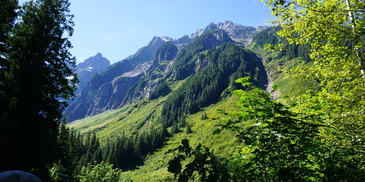 North Cascades National Park, an Easy Day Trip from Seattle