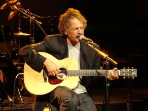 Gian MariaTesta mit akustischer Gitarre