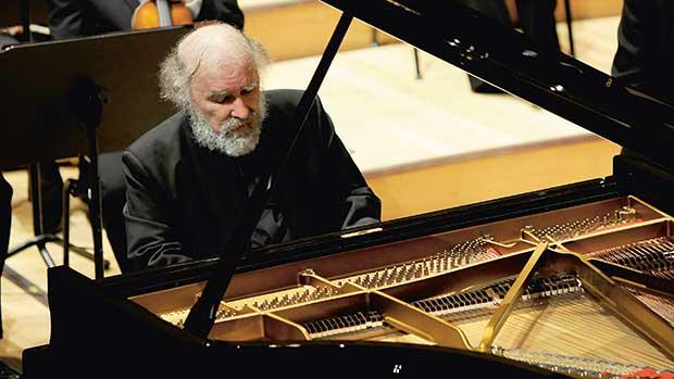 Radu Lupu, Solist am Piano