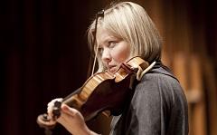 Alina Ibragimova, Solistin Violine