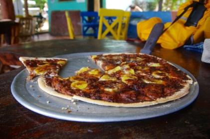 DESSERT PIZZA: Cafe Revolución, Playa Maderas, San Juan del Sur, Nicaragua