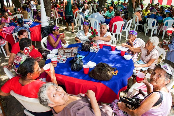 Piñata Smashing: Meeting of the Elders, San Juan del Sur, Nicaragua