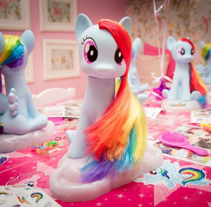 Rainbow Dash Style and Groom