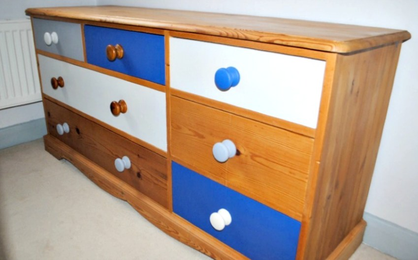 Come find out how I acheived this Painted Dresser with only tester pots and an afternoon - Innocent Charms Chats