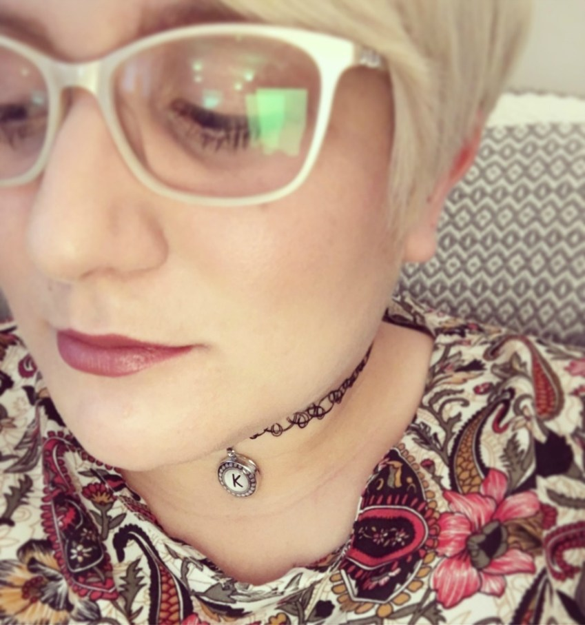 A review of Specsavers and the fashionable retro inspired glasses they have to offer from Innocent Charms Chats