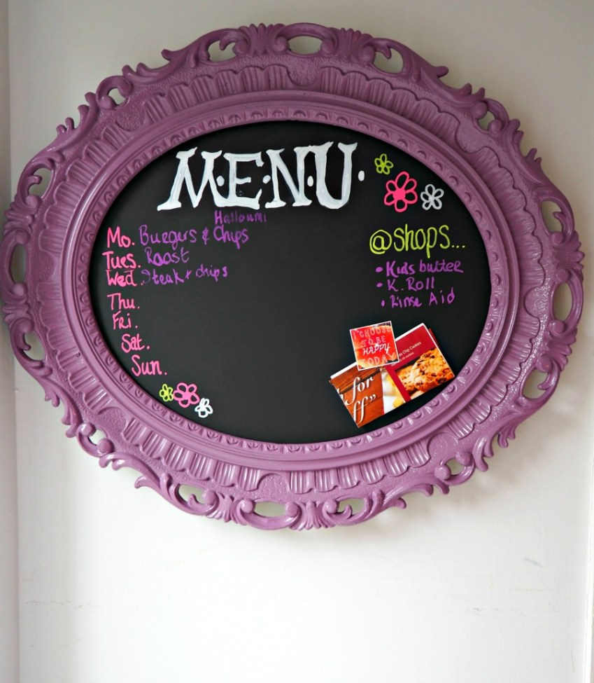 Find out how to make your own Magnetic Blackboard Menu Planner simply using Pinty Plus Spray paint from Innocent Charms Chats