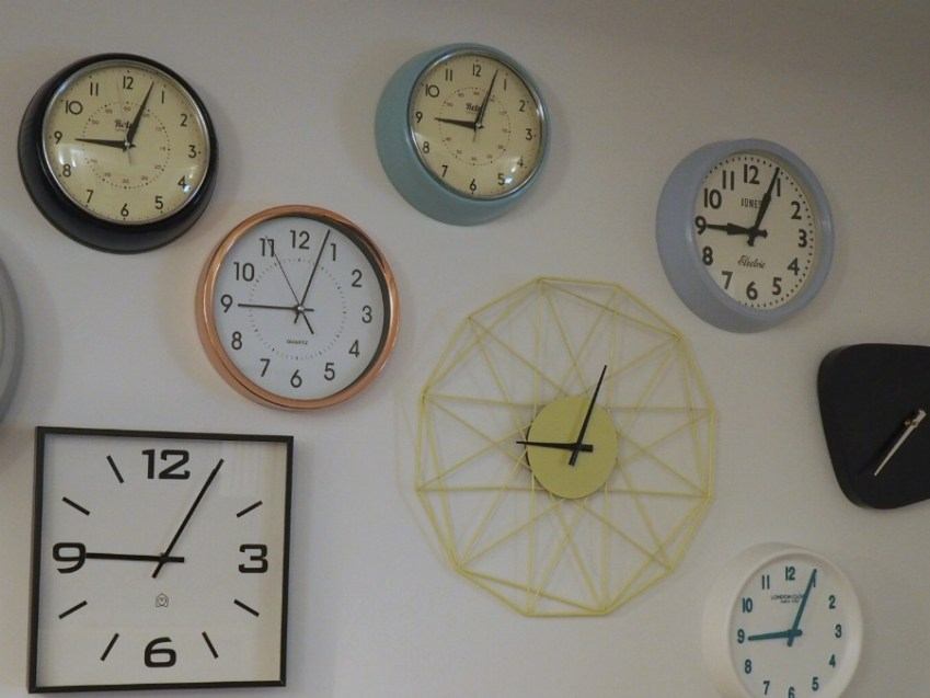 Loft Style Yellow Clock