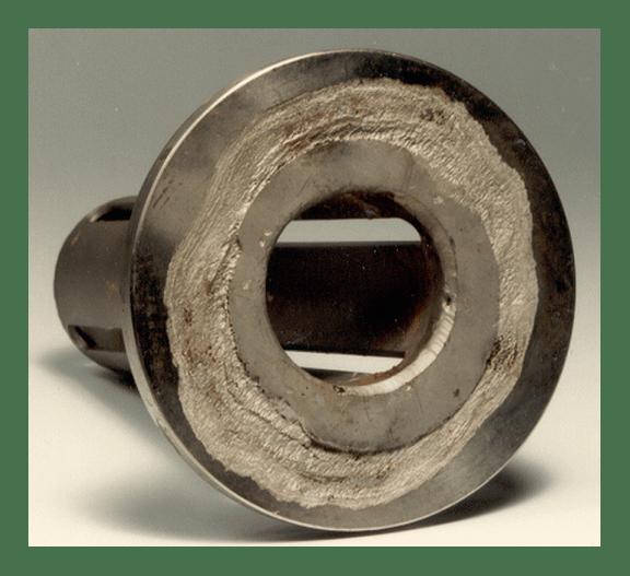 Afbeelding: spleetcorrosie van een roestvast staal nozzle
