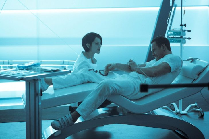 DF-05144 – Callum Lynch (Michael Fassbender) reacts to a revolutionary technology, administered by the mysterious Sofia (Marion Cotillard). Photo Credit: Kerry Brown.
