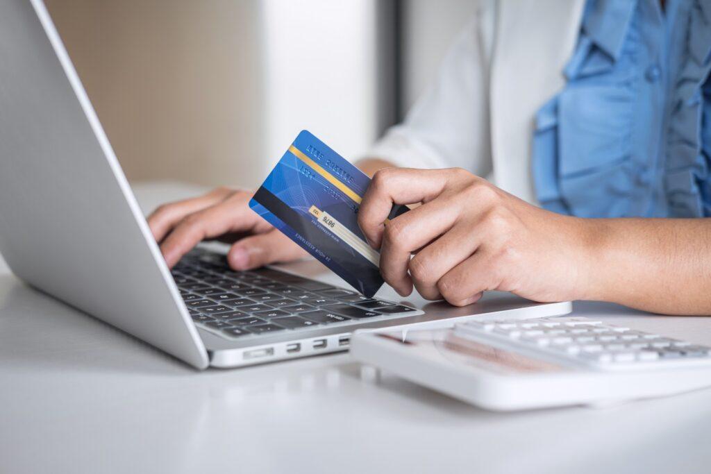 23 scaled 1 e1599471998447 - ¿Cómo emprender tu negocio con una tienda en línea?