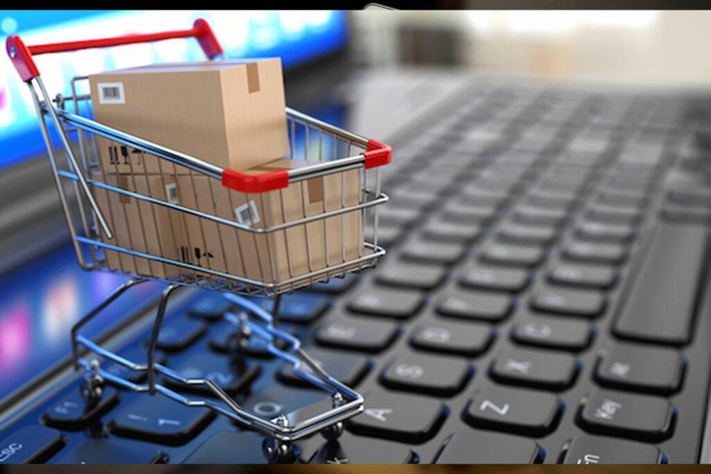 ecommerce img scaled e1599471598323 - ¿Cómo emprender tu negocio con una tienda en línea?
