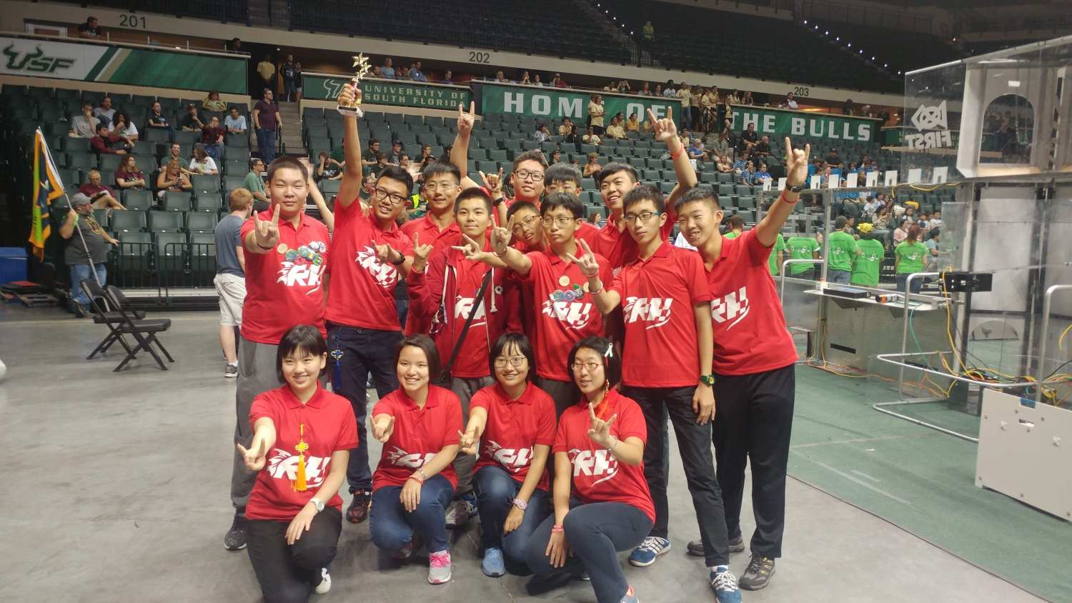 2016-Chinese-team-participated-in-ROBOTICON-at-USF