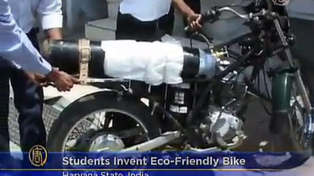 Indian Students Invent Eco-Friendly Motorbike