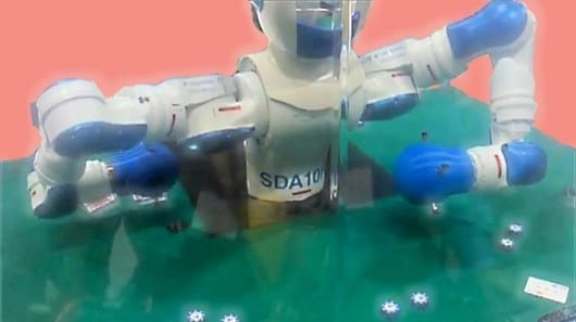 motoman-robot-blackjack-dealer-automate-2013