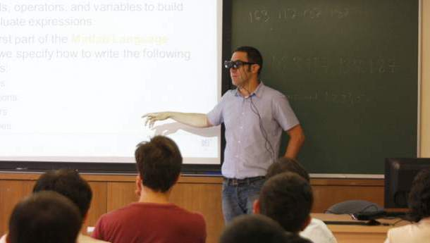 Intelligent glasses designed for professors
