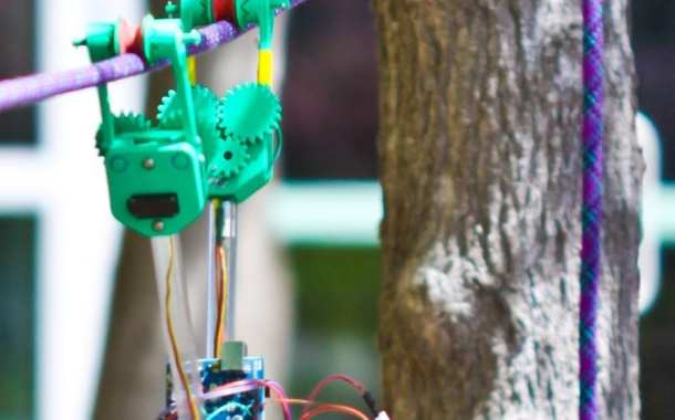 SkySweeper Robot Makes Inspecting Power Lines Simple and Inexpensive