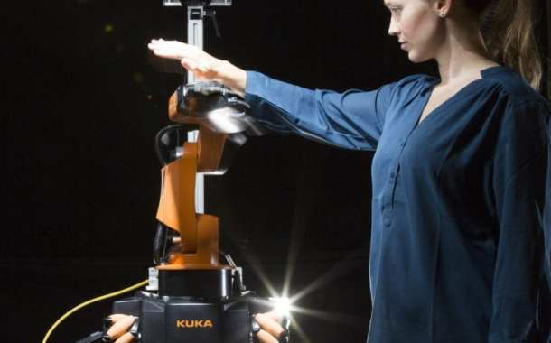 A friendly robot that can move and interact safely with humans