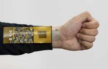 Wireless sensors that stick to the skin to track physiological signals