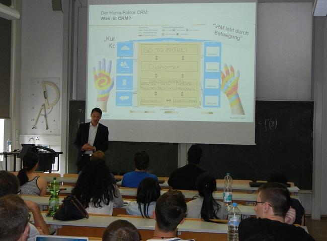 CRM-Trends und erfolgreiche Einführung: Vortrag von Hr. Göbel (Vorstandsmitglied Infoman AG)
